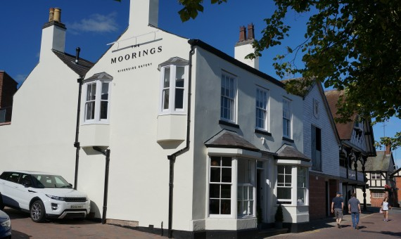 The Moorings Chester - riverside eatery